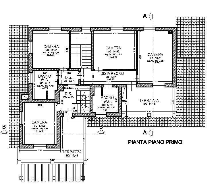 Villa mit 4 Schlafzimmern und eigenem Garten, bezugsfertig