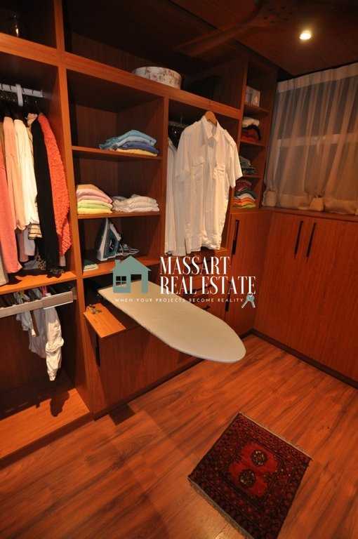 À vendre à Costa Adeje (Torviscas Alto), dans le complexe résidentiel The Sunset, luxueux appartement entièrement rénové et meublé.