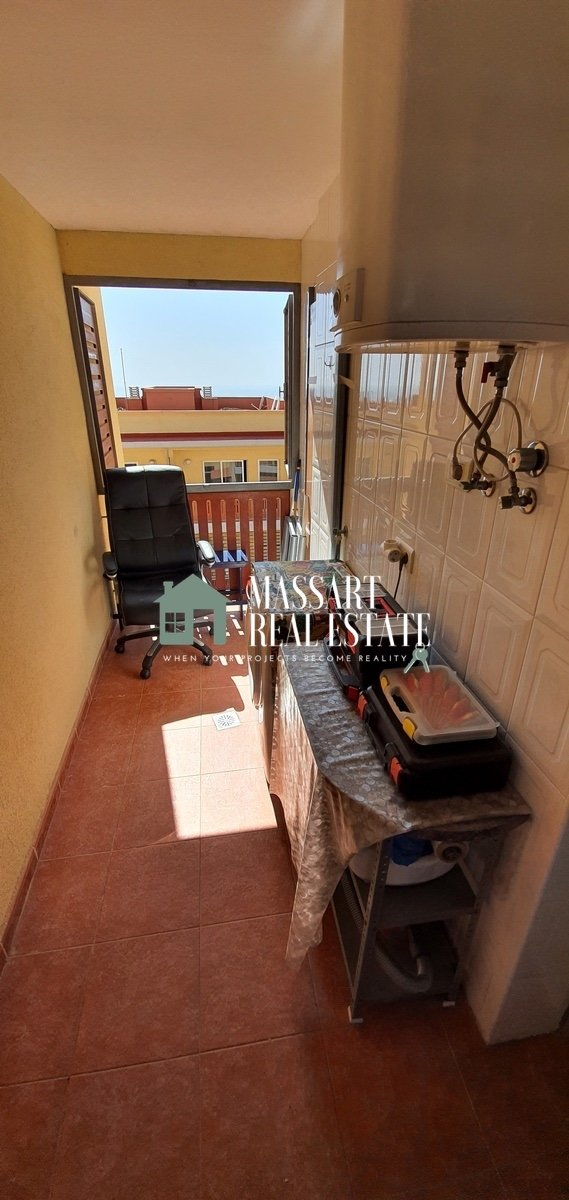 For sale in the center of Adeje, in the Las Eras III residential complex, a fully furnished apartment with 53 m2 of interior surface.