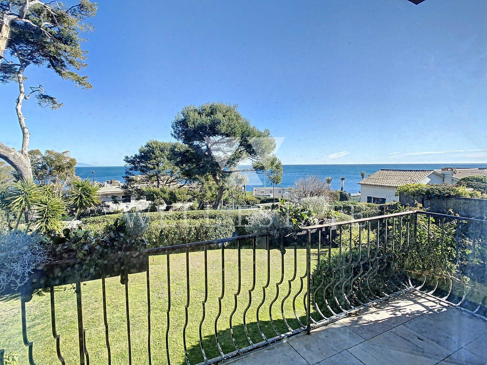 CAP D'ANTIBES VILLA 350m2 6 BEDROOMS SWIMMING POOL SEA VIEW