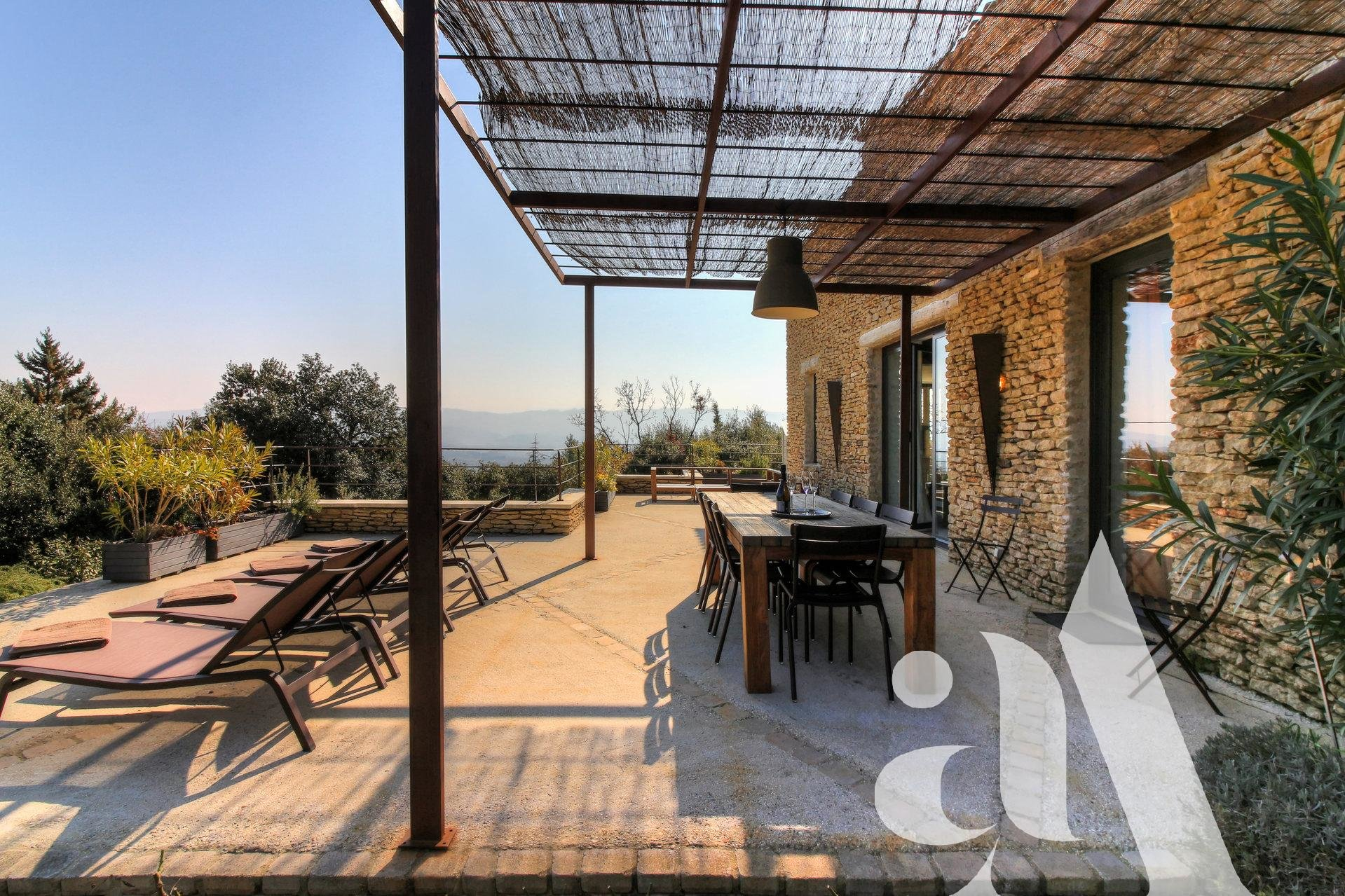 MAS D'OIKOS- CABRIERES - LUBERON - 4 bedrooms - 8 people