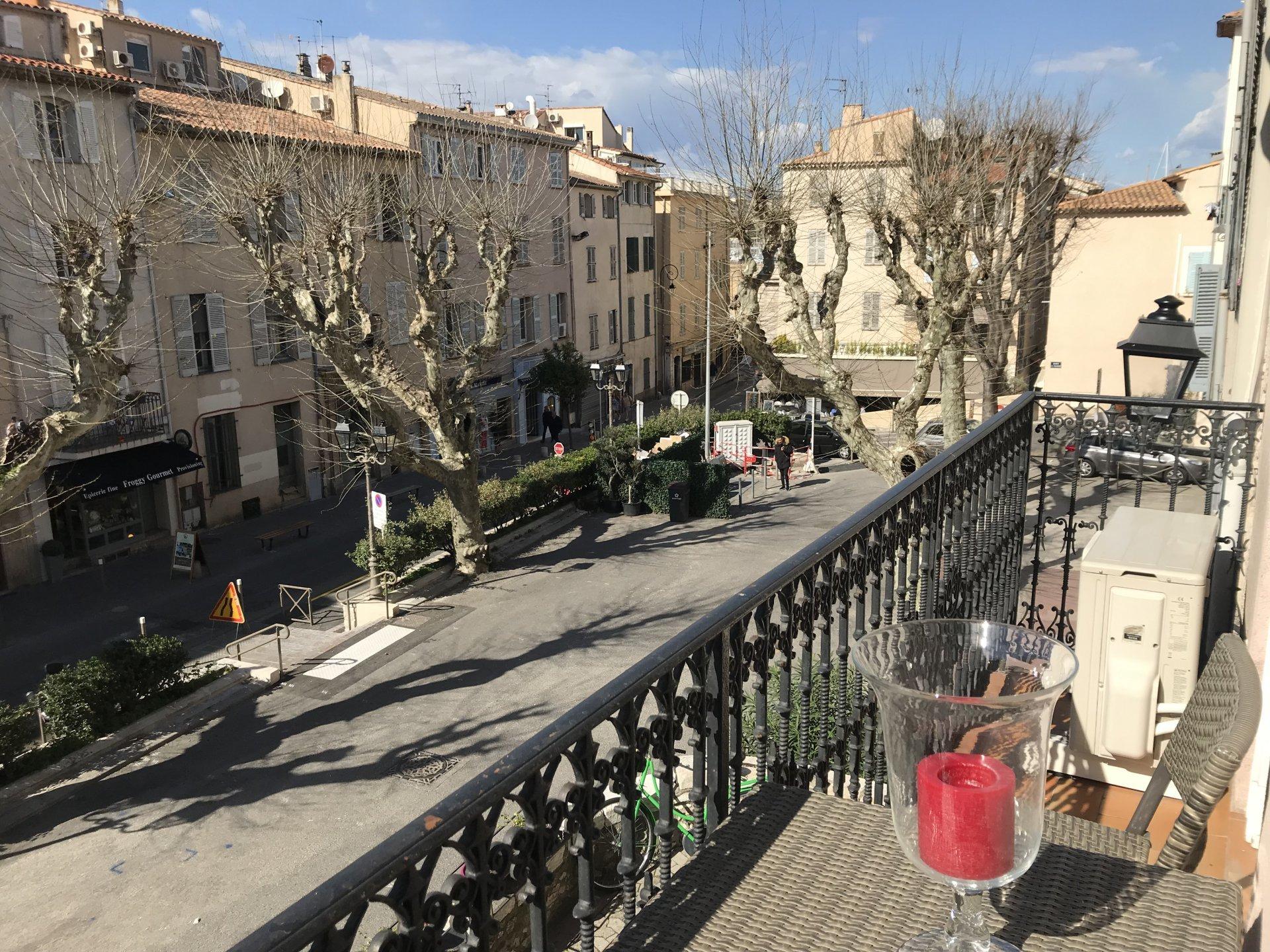 Co-exclusivité Vieil Antibes - Très charmant 2 pièces avec balcon