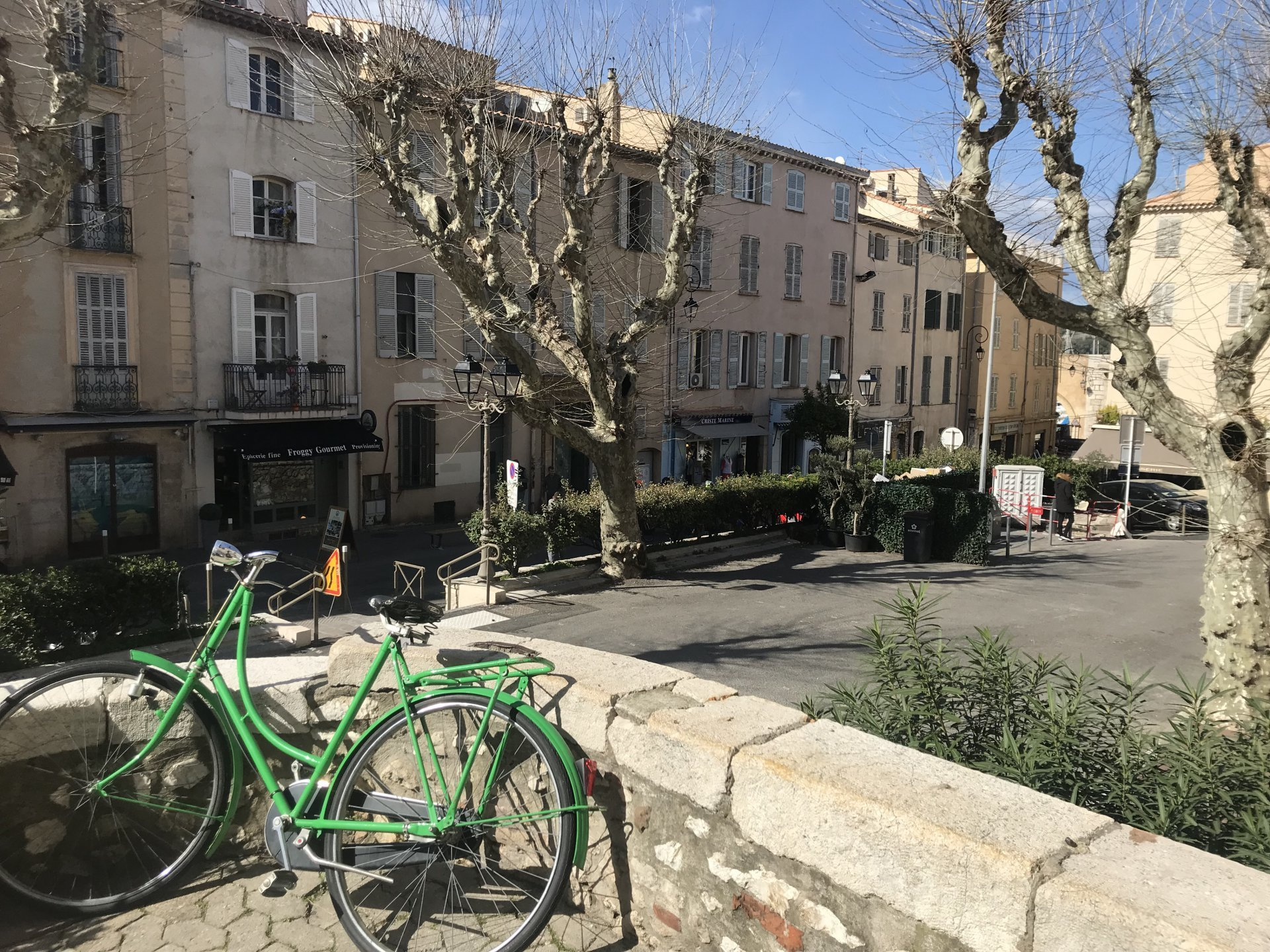 Old Town Antibes - Complete charm and authenticity