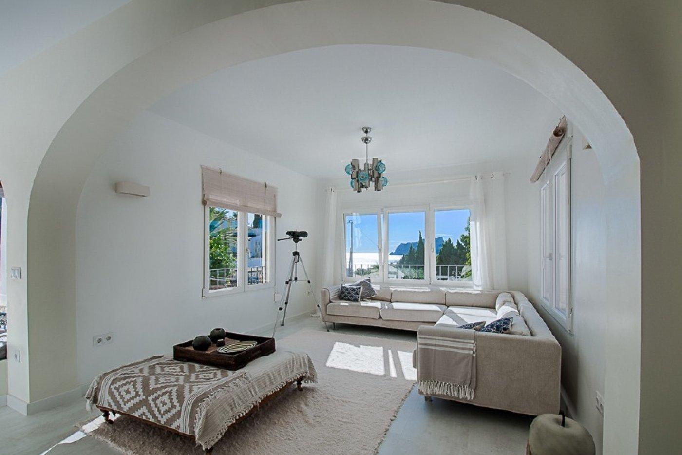Trendy villa met zeezicht dichtbij alle voorzieningen