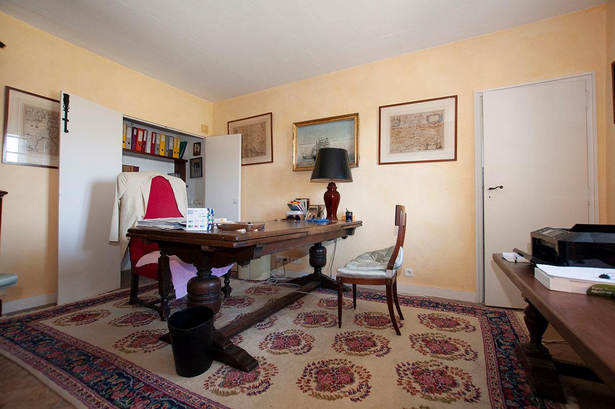 For Sale Castellaras Mougins/Mouans-Sartoux - A 200m2 Couelle villa.