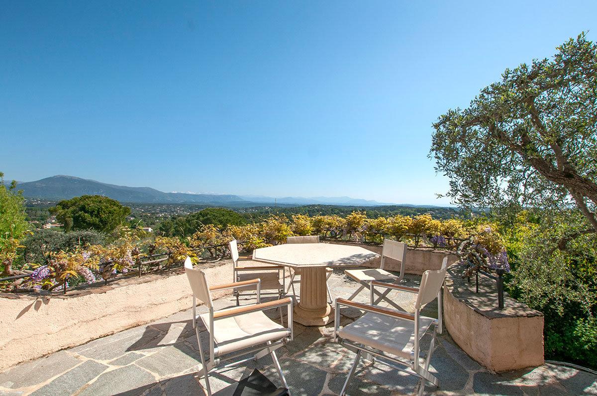 A vendre Castellaras Mougins / Mouans-Sartoux, une villa de 200 m2