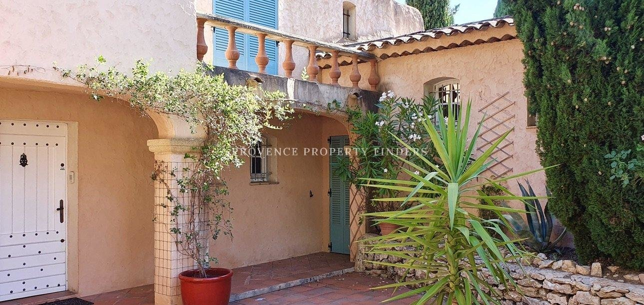 Provence country life, beautiful property for sale.