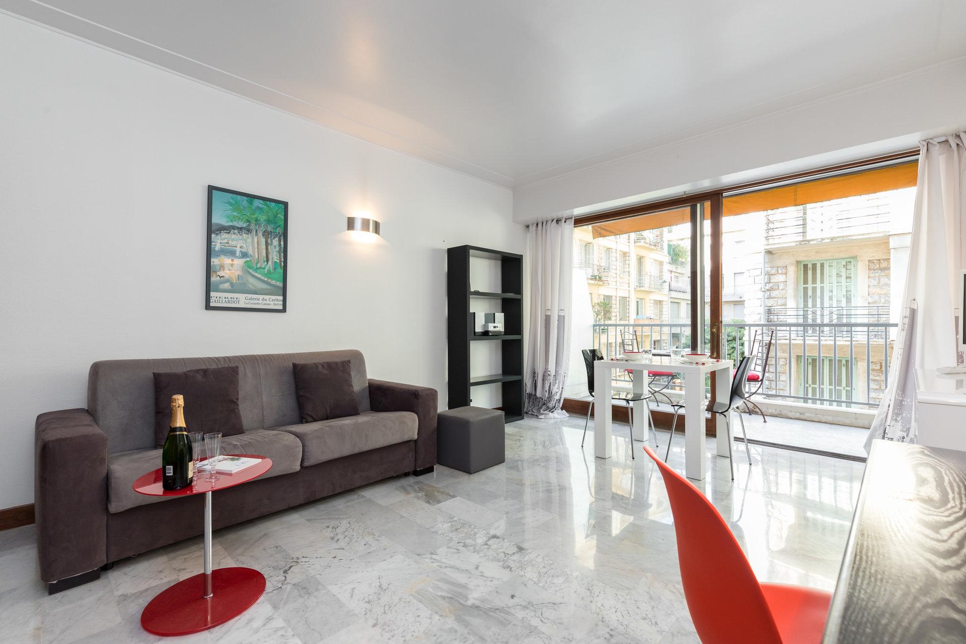 Location meublée longue durée - Coeur de Nice