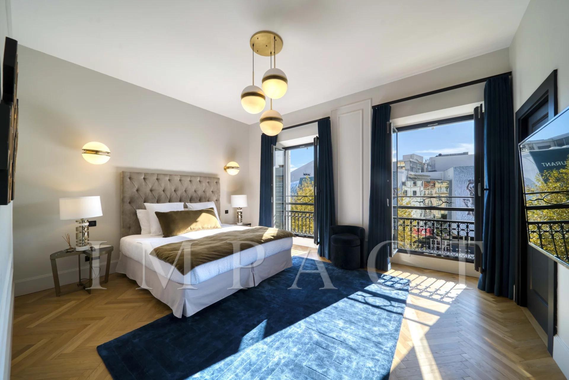 Appartement face au palais, 5 chambres à louer à Cannes