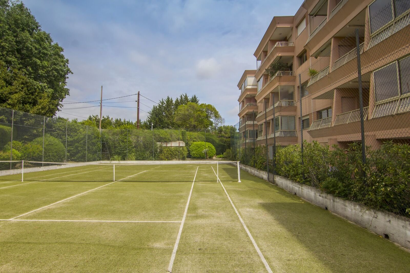 Grasse, Appartement moderne, terrasse, parking, garage, cave, piscine & tennis