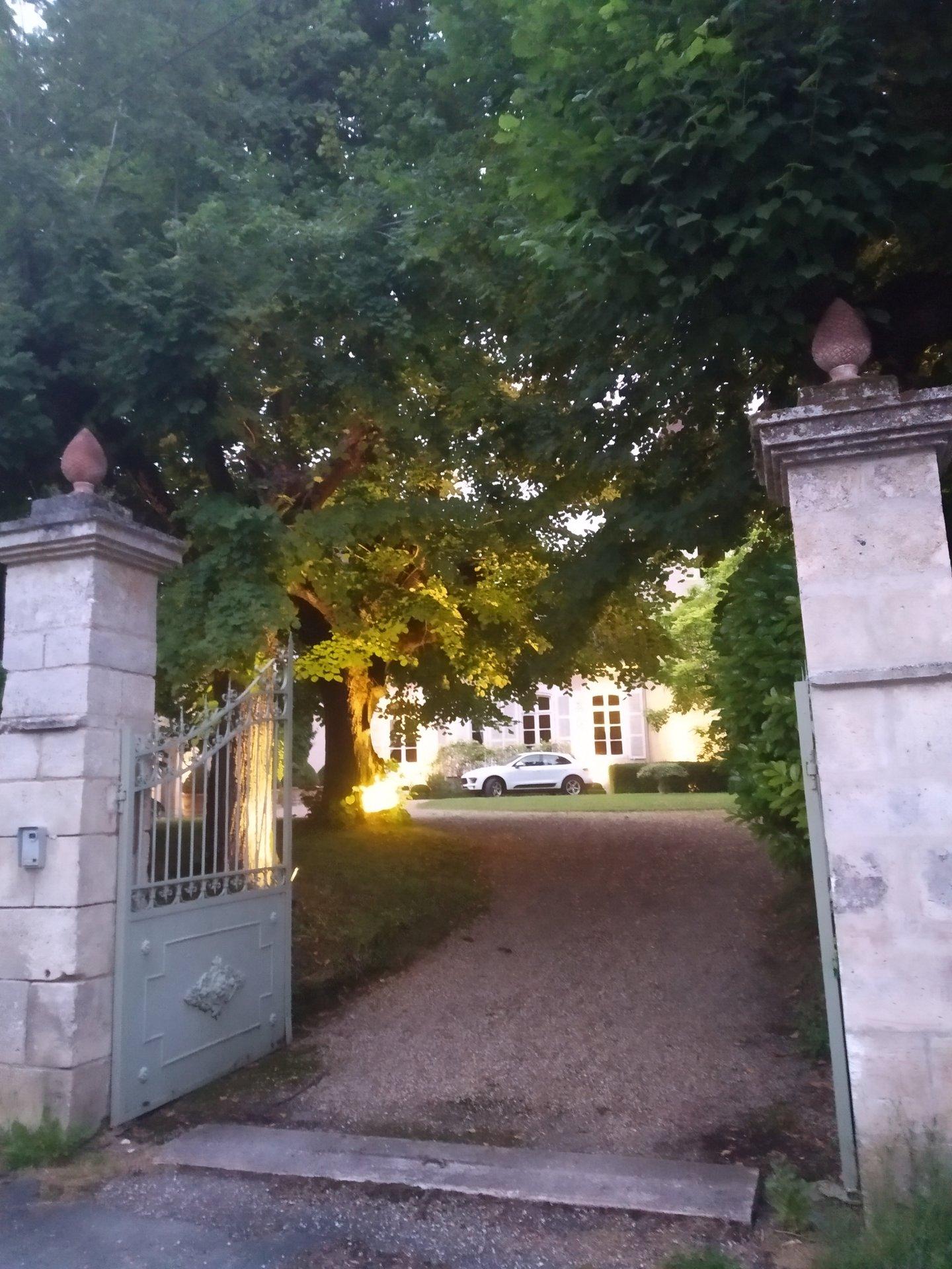 Продажа Замок - Celles