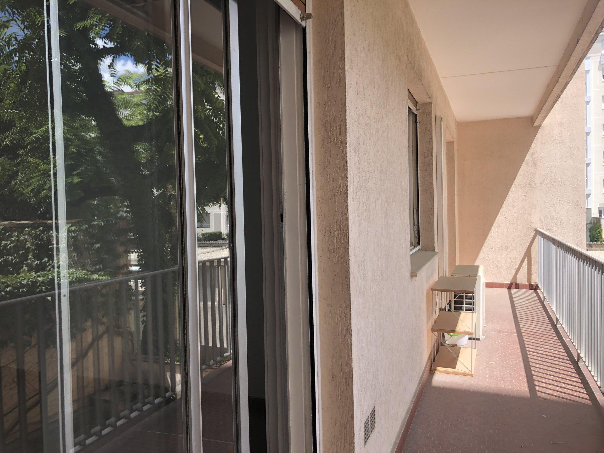 PARC de le TETE d'OR - T4 avec balcons et garage