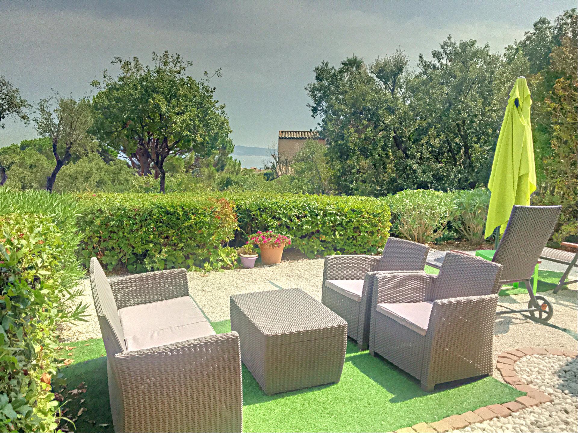 Bel appartement résidence de standing avec jardin privé