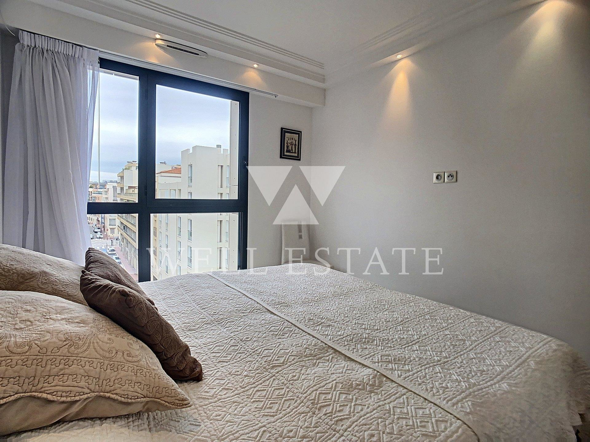 CANNES APPARTEMENT CARLTON RIVIERA 106M2 3/4 PIECES TERRASSES
