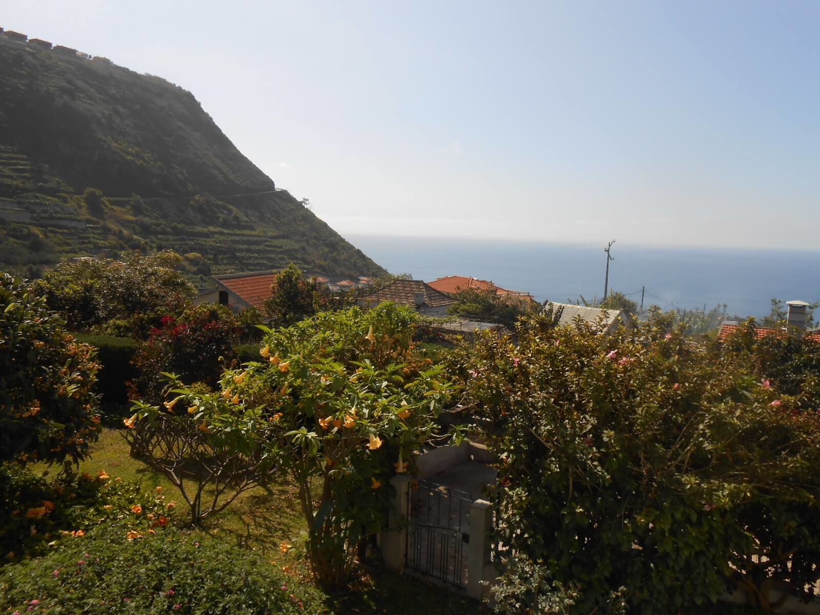 Traditional Madeiran house with flat land and Ocean and Mountain views.