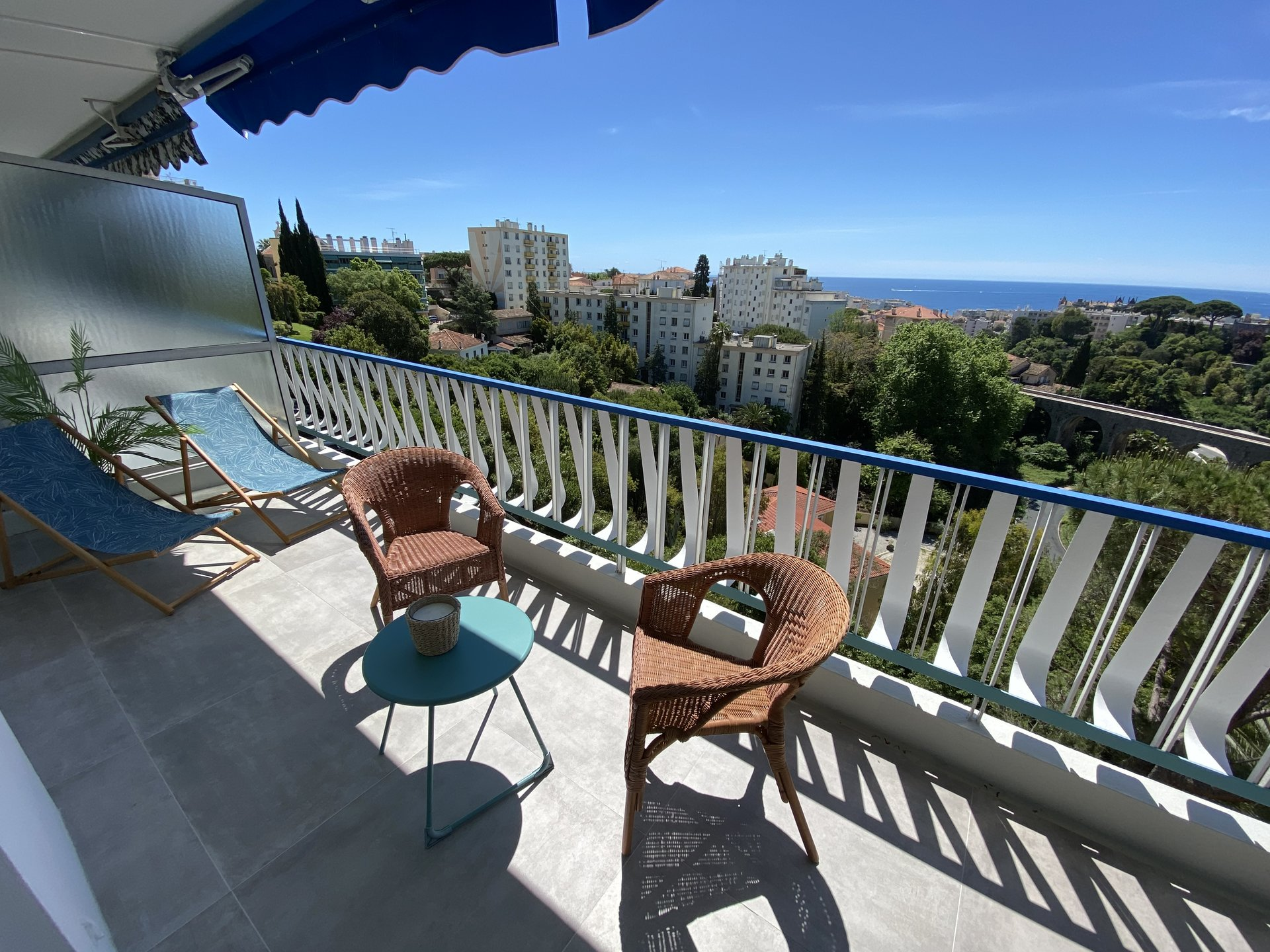 CANNES SALE 2 bedrooms lovely panoramic sea view
