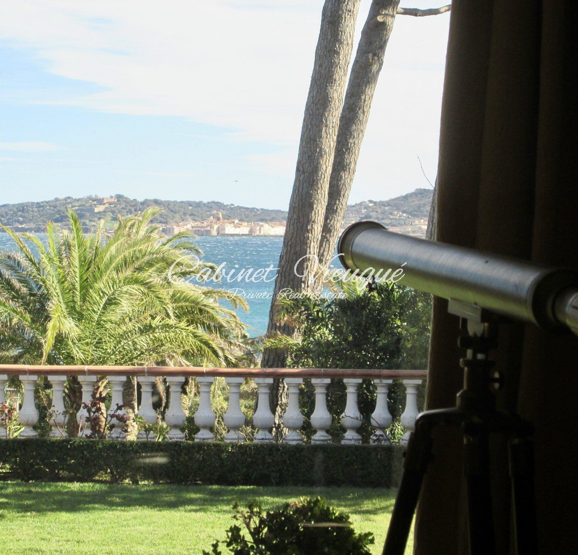 Beautifull Property with Sea View for Sale
