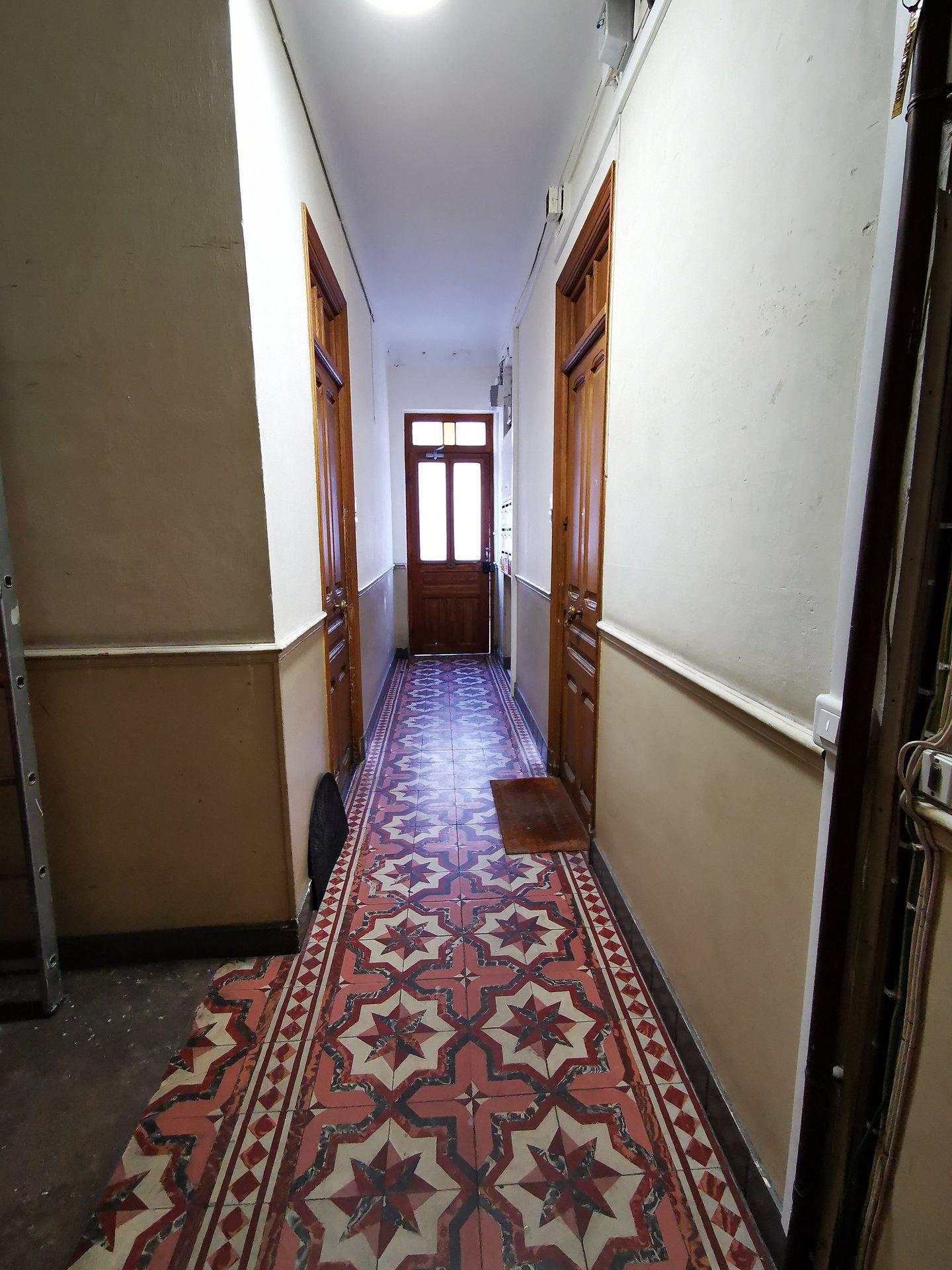 Magnan, 2 pièces en dernier étage