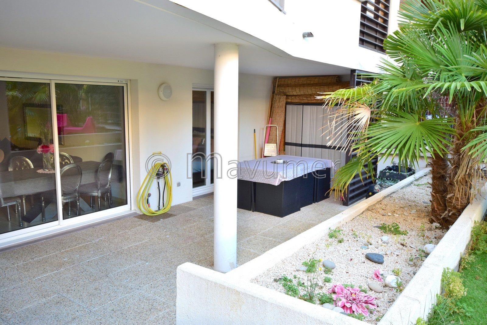 Appartement T4 avec jardin et box 13008 Marseille