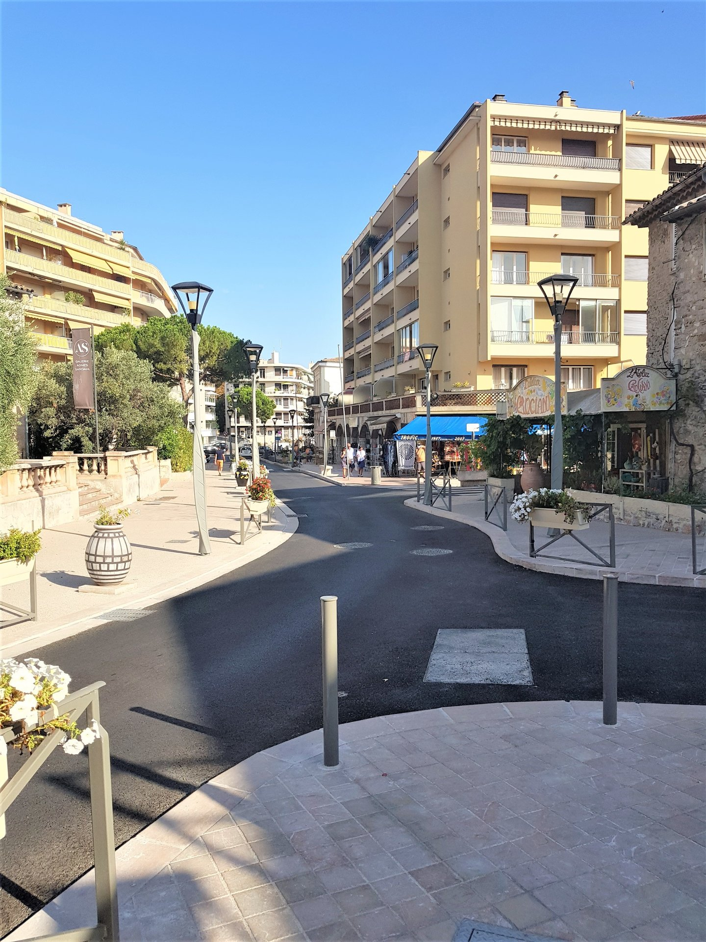 Business of 83 m2 for sale in Vallauris, on the Côte d'Azur