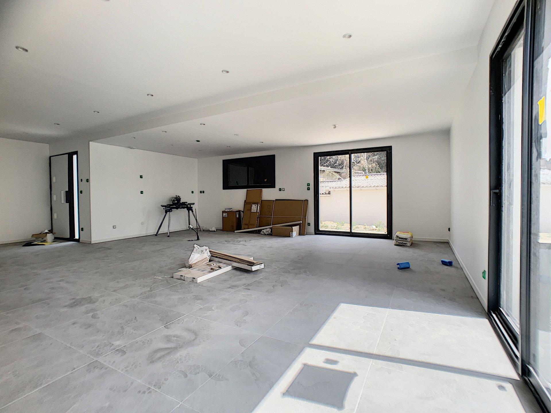 Maison Neuve en cours  d'achèvement