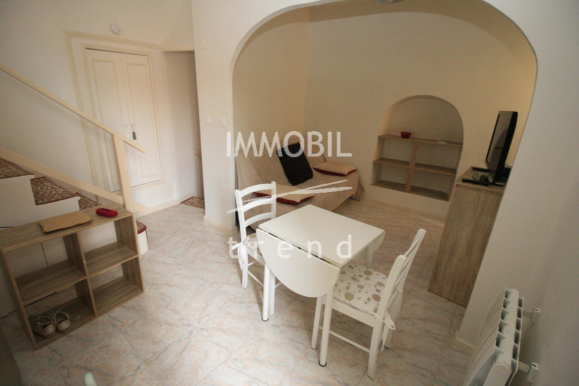 SOLE AGENT - MENTON VIEILLE VILLE - apartment in perfect conditions for sale