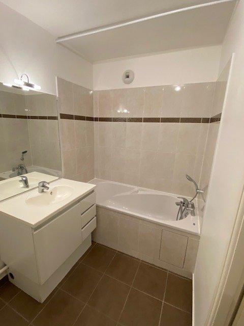 Appartement - Chantilly - 1 390 € CC