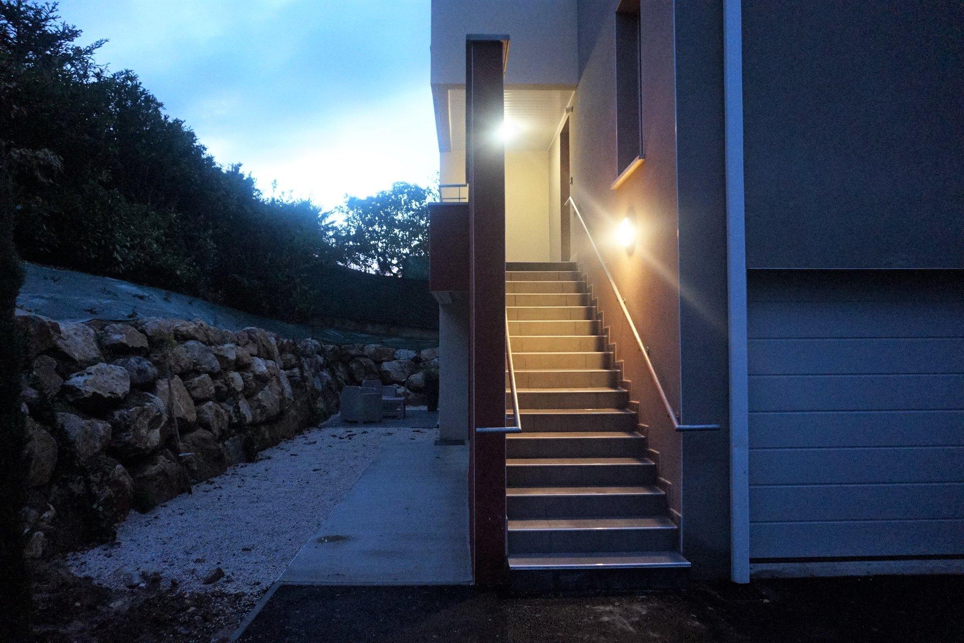 T4 DUPLEX + terrasse  + GARAGE  MONTRABE