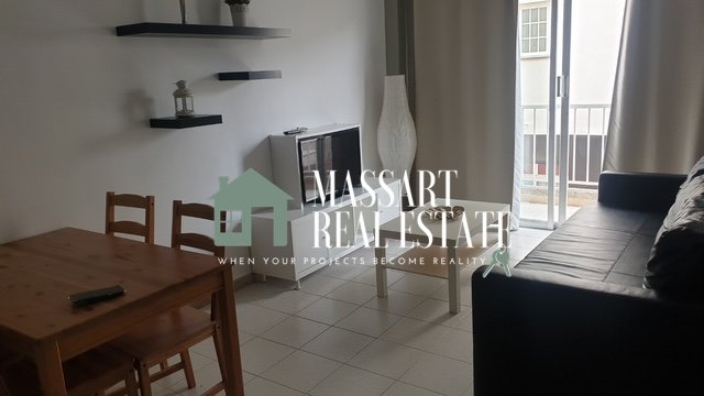For rent in the beautiful coastal town of Playa San Juan (Guía de Isora), recently renovated 50 m2 furnished apartment in very good condition.