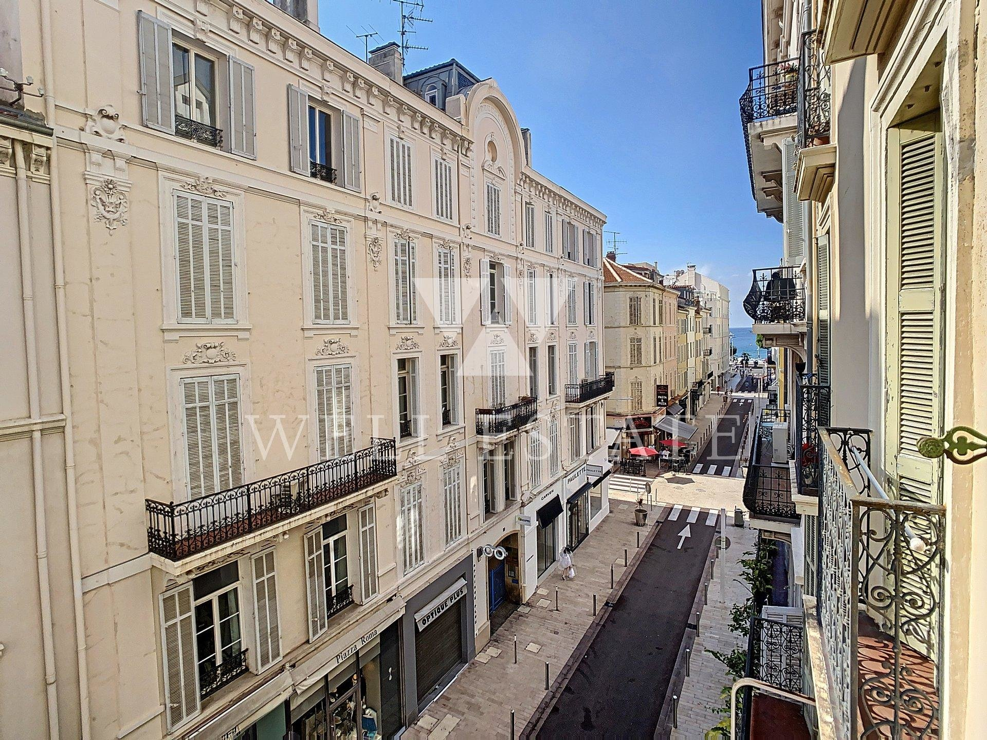 CANNES BANANE APPARTEMENT RENOVE 3 PIECES 56M2 APERCU MER