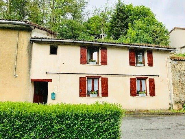 3 Bed House For Sale in the Park in Bellac – Haute Vienne