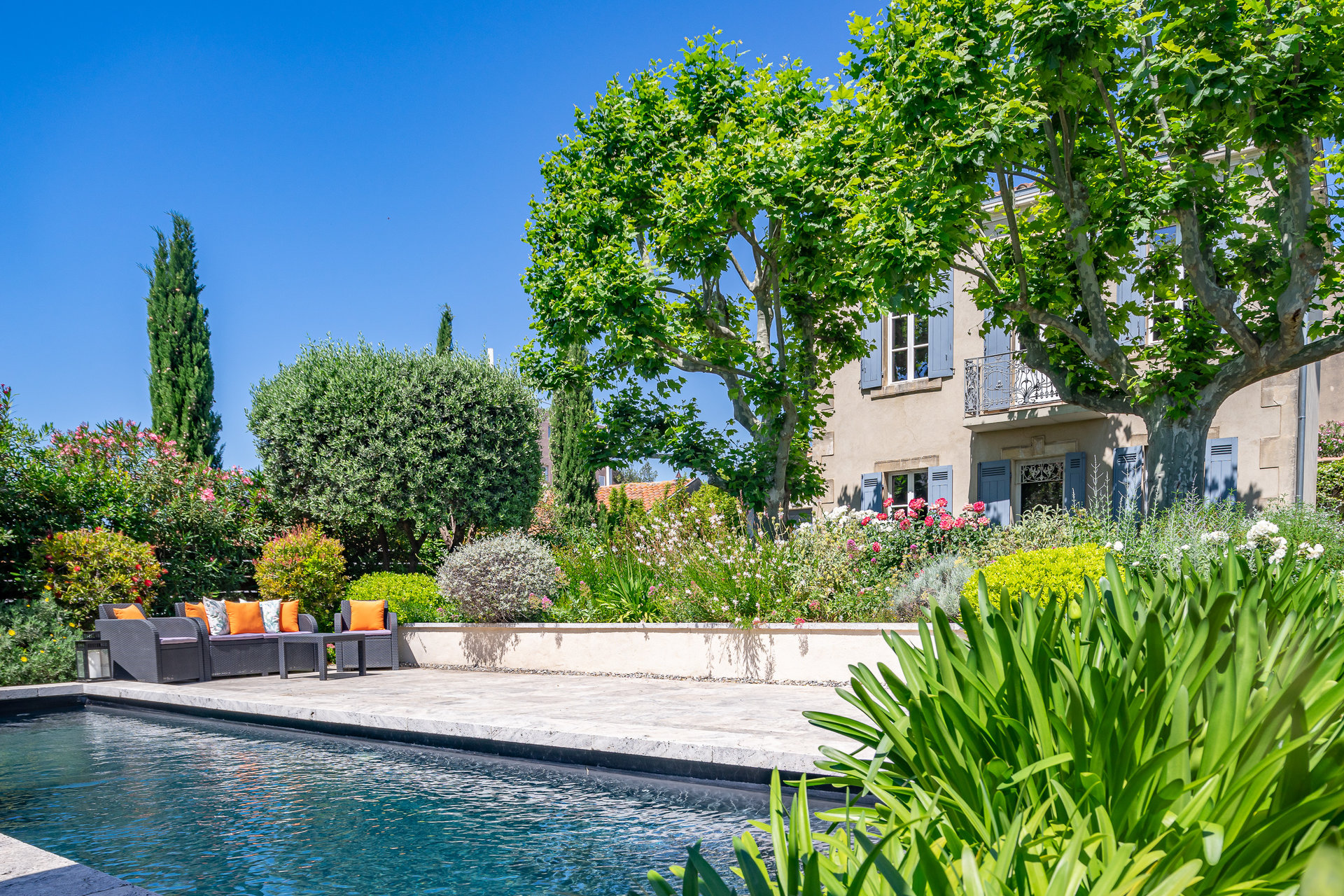 Bastide XIXEME rénovée avec jardin et piscine