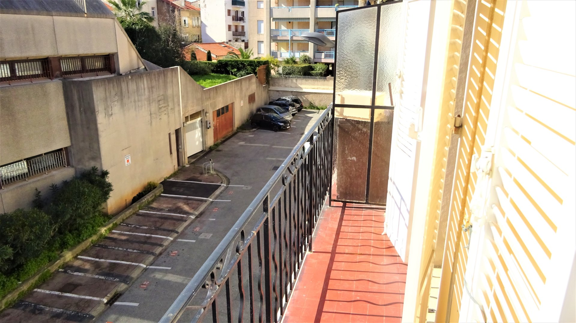 Sale Building - Cannes Saint-Nicolas