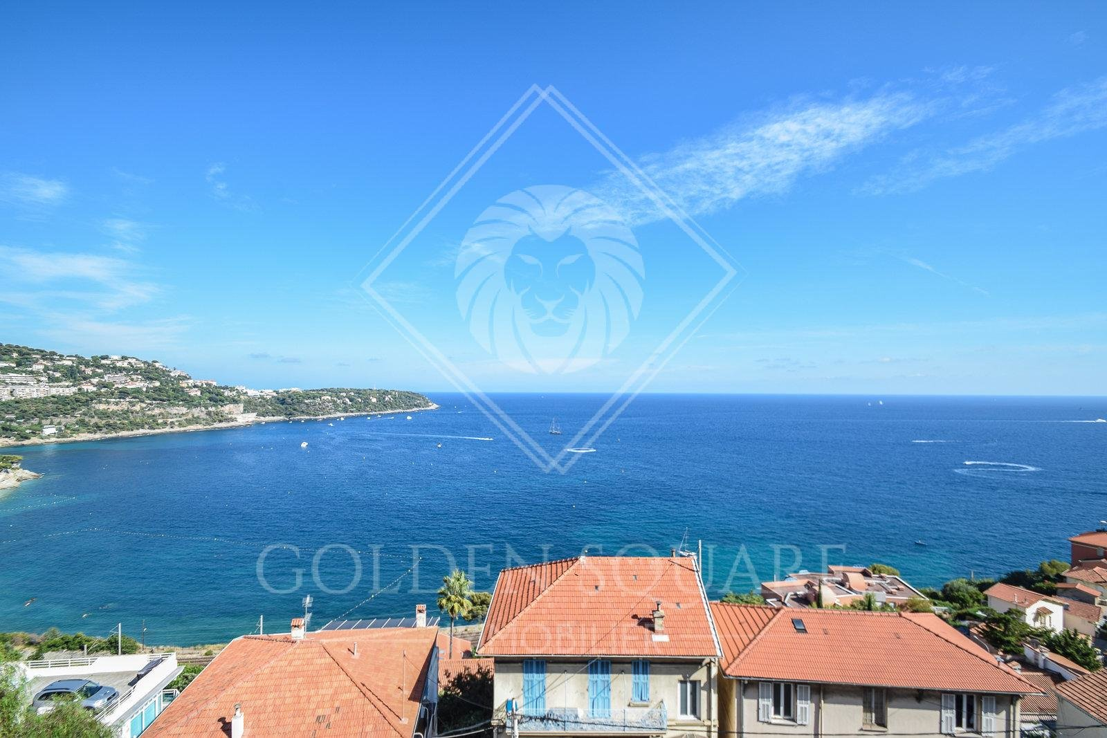 ROQUEBRUNE - VILLA CONTEMPORAINE