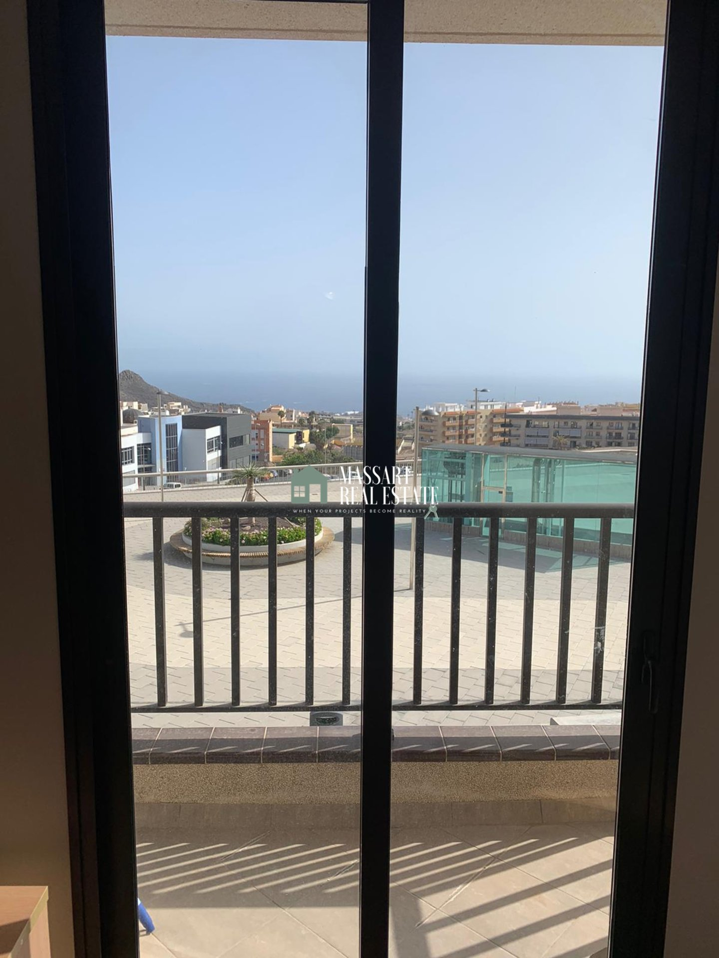 Modern apartment for rent in the center of Adeje, fully furnished and ready to move into ... ideal for a couple!