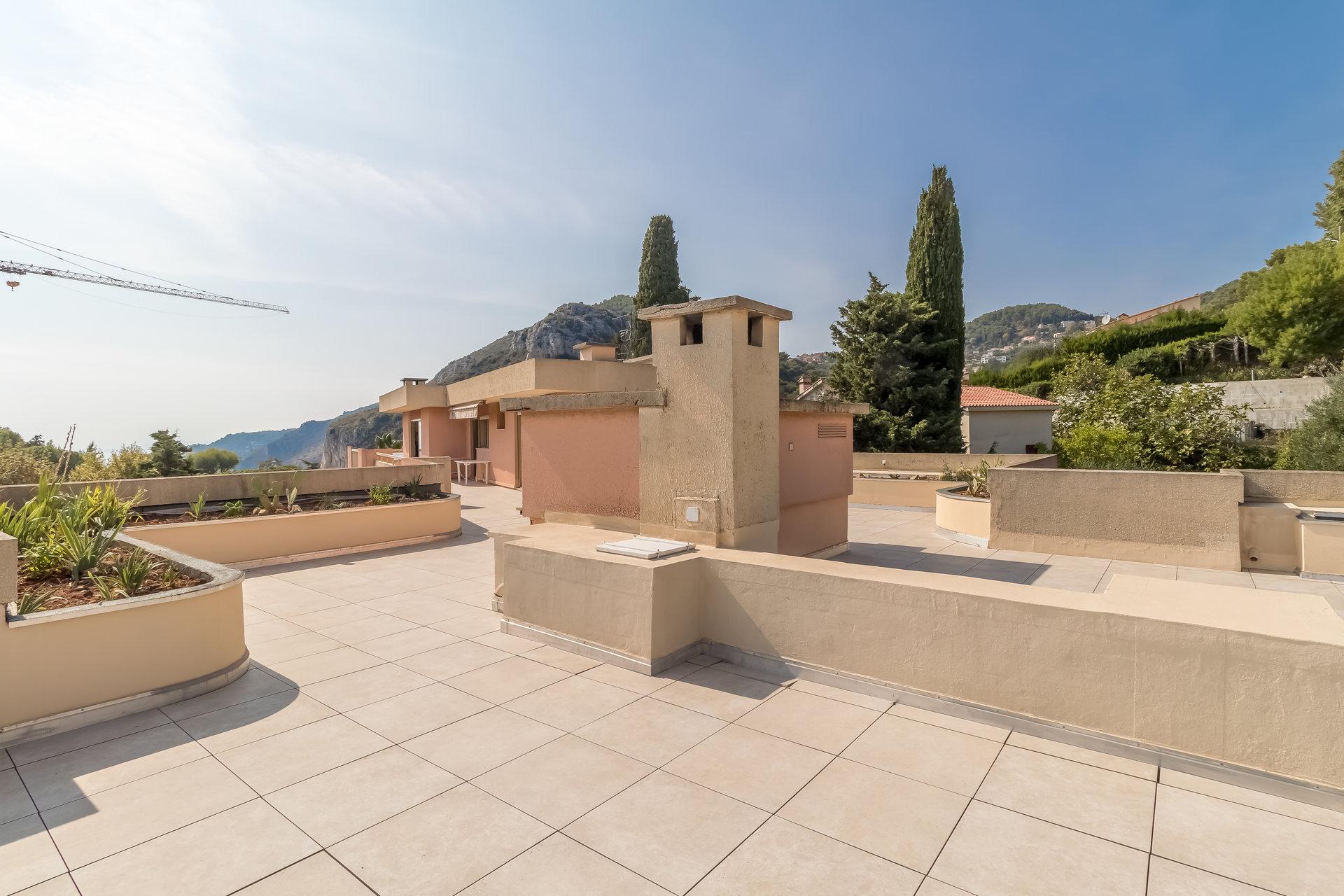 Eze Village, penthouse avec 3 chambres, terrasse de 250 m, vue