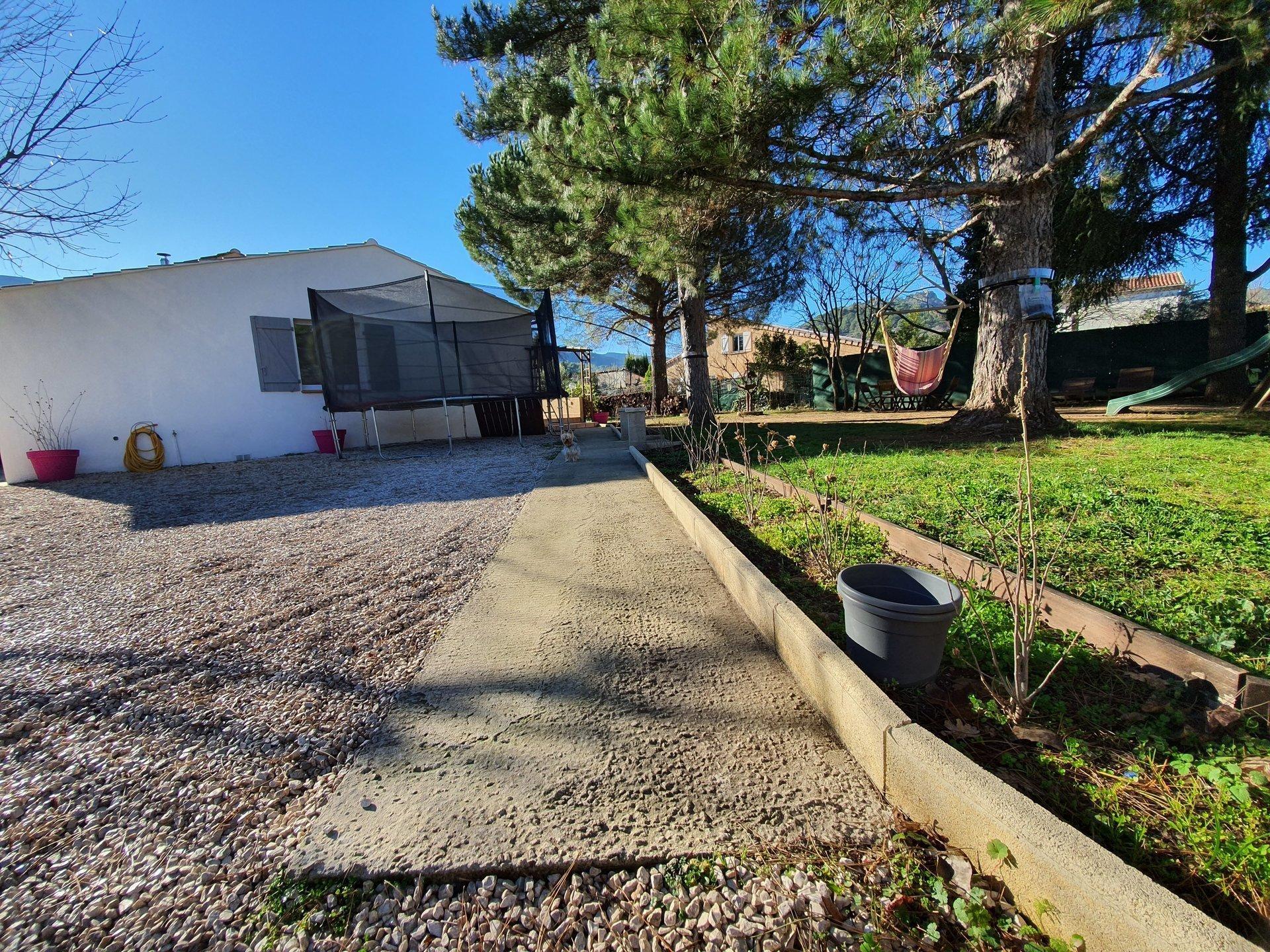 VILLA T4 115 m² sur 940 m² terrain