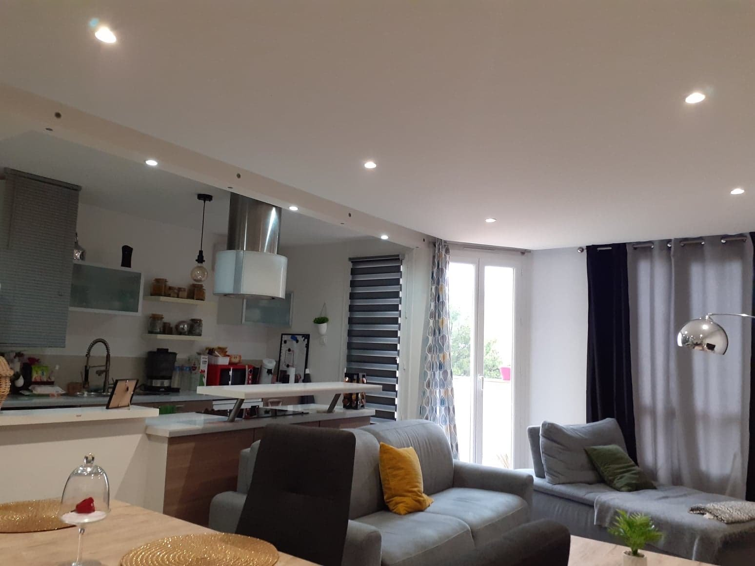 Sale Apartment - Carros Le neuf
