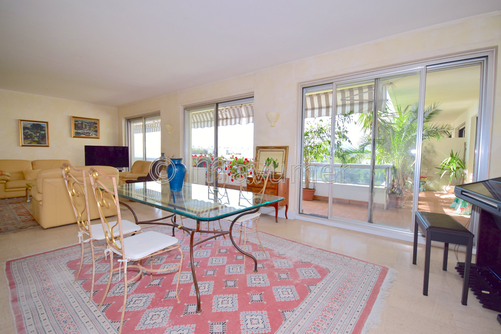 Sale Apartment - Marseille 8ème