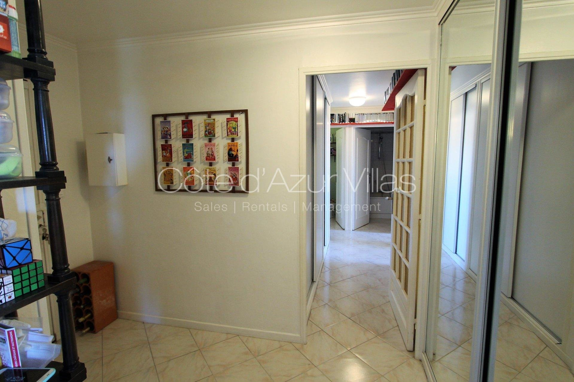 Antibes Les Semboules - 3 bedroom apartment  ideally situated in a quiet area