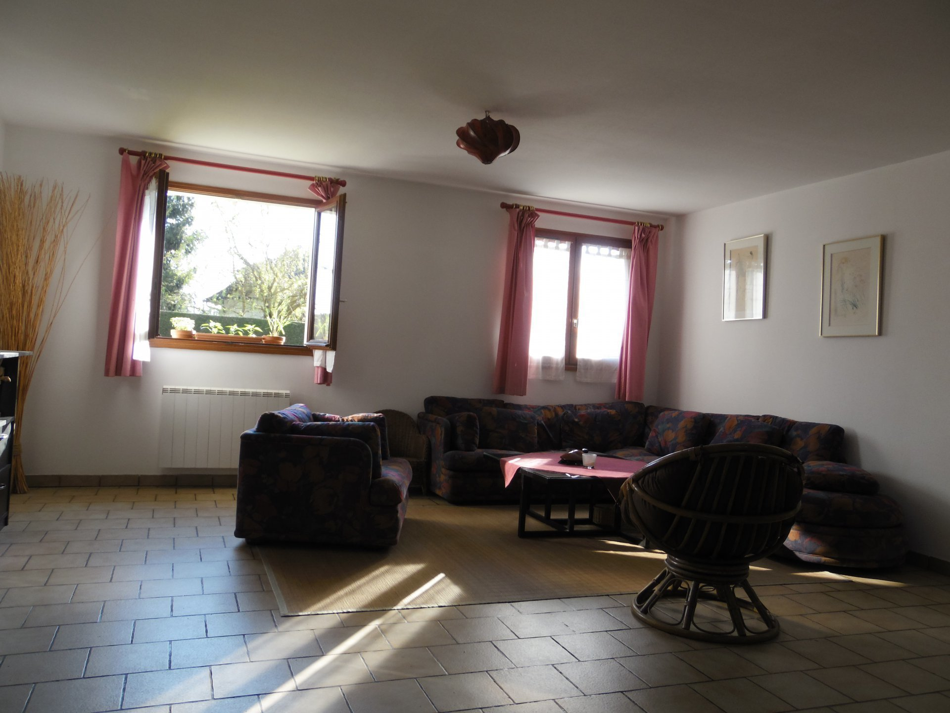 Sale House - Sylvains Les Moulins