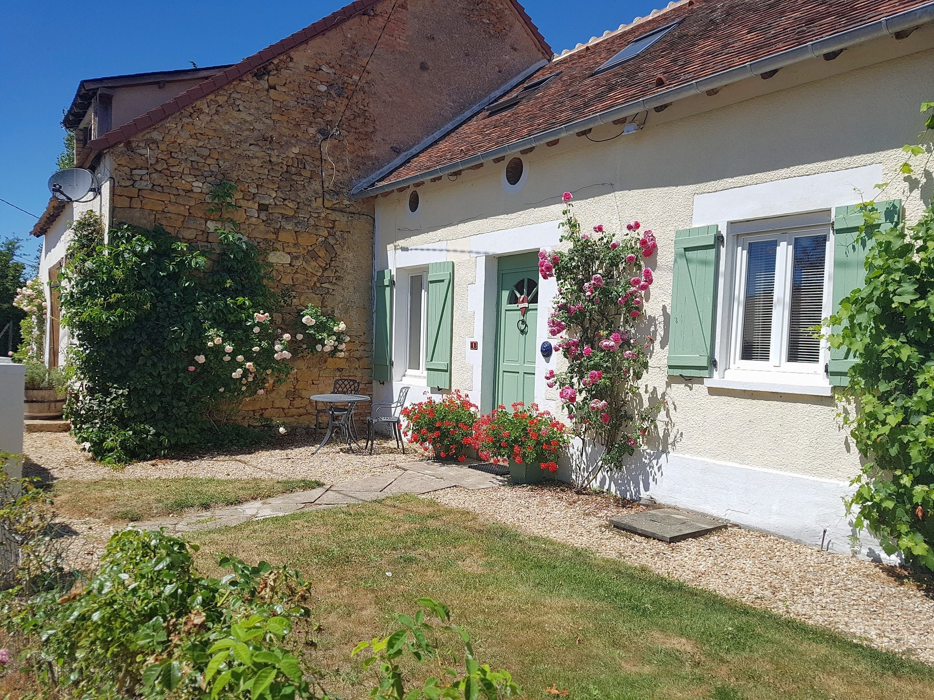 For sale in the Brenne 36, house with large piece of land