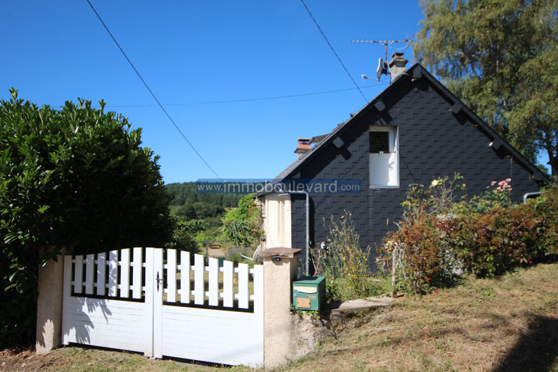 House for sale in hamlet near chateau chinon in the Morvan