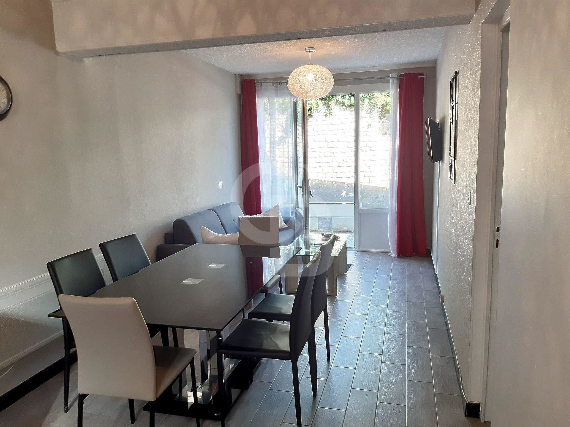 Apartment for Sale in Royan - ground floor