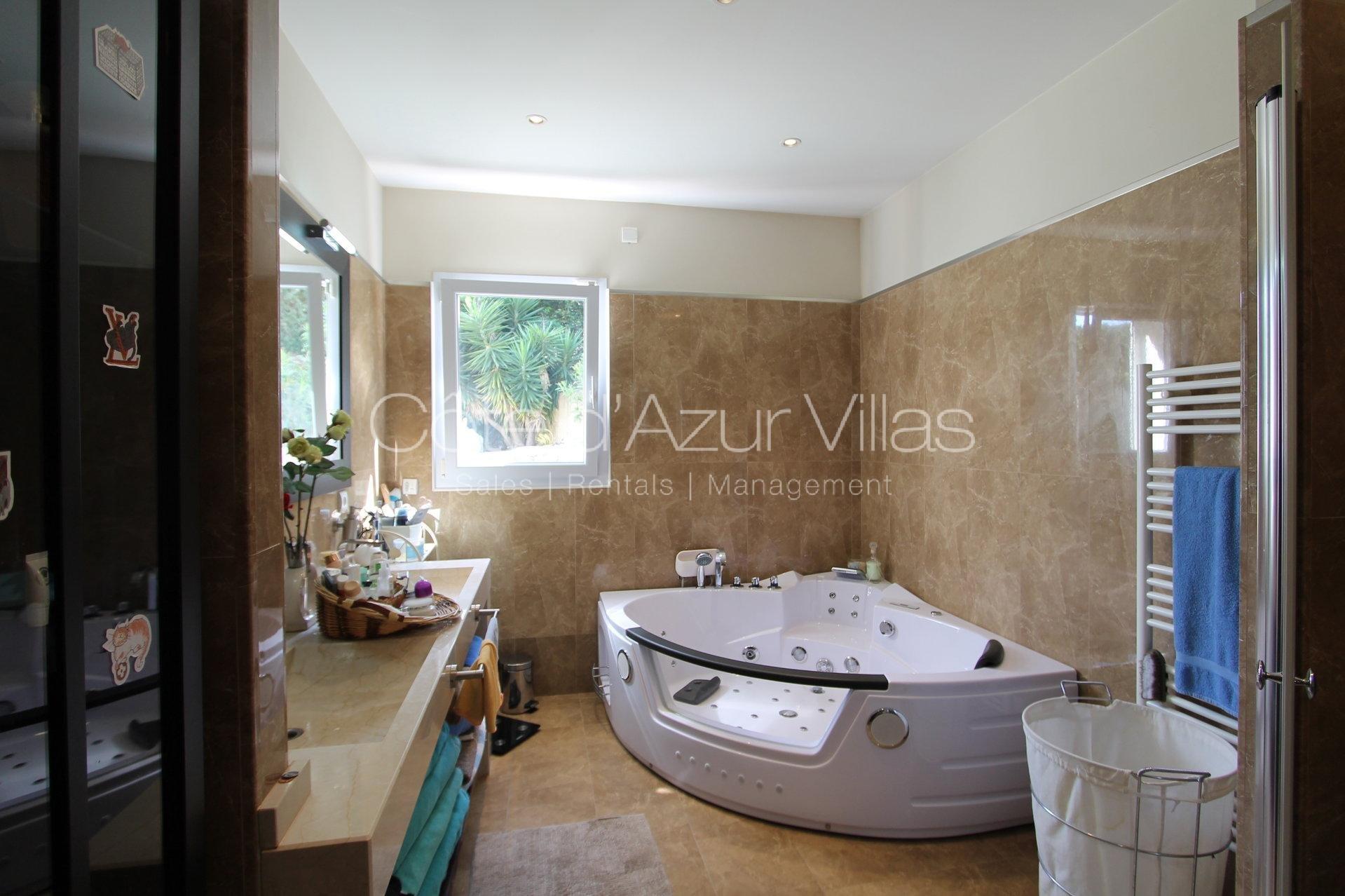 """""""Villa Vallières"""" Villa vue mer"""
