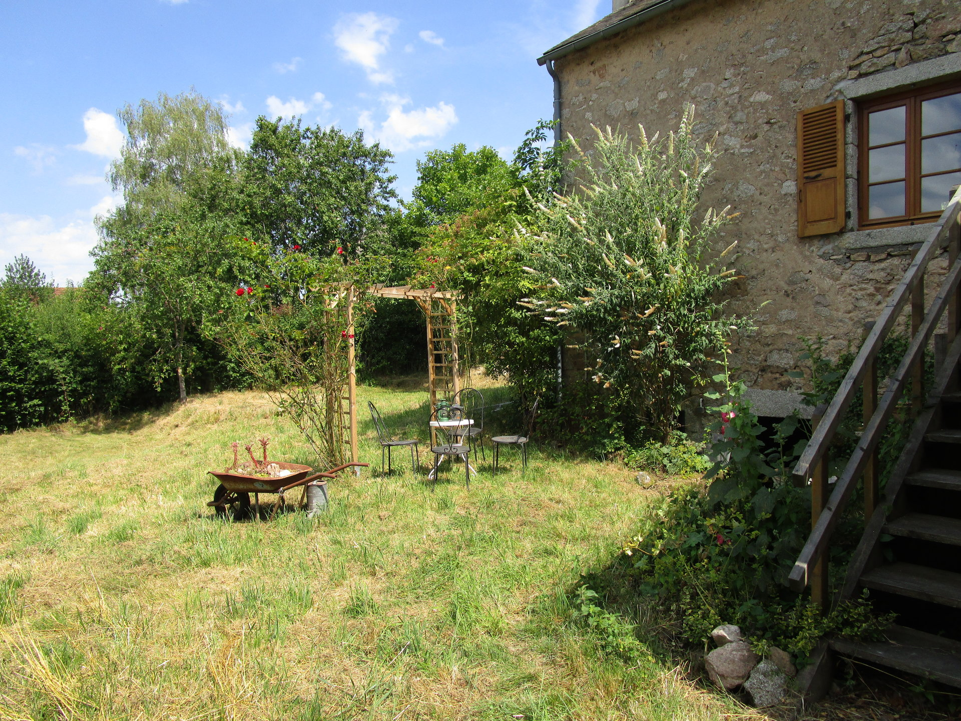 Nice individual house with view for sale in the  Morvan