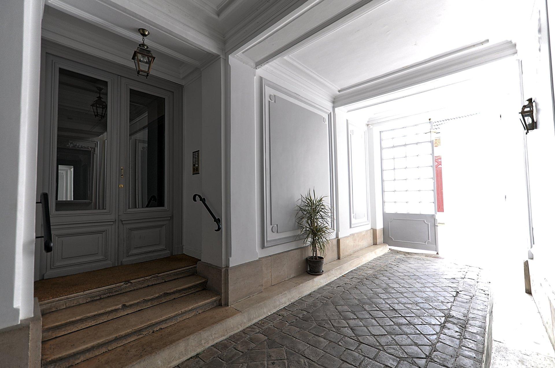 Jean Jaurès - Escudier / Chambre - dernier étage ascenseur