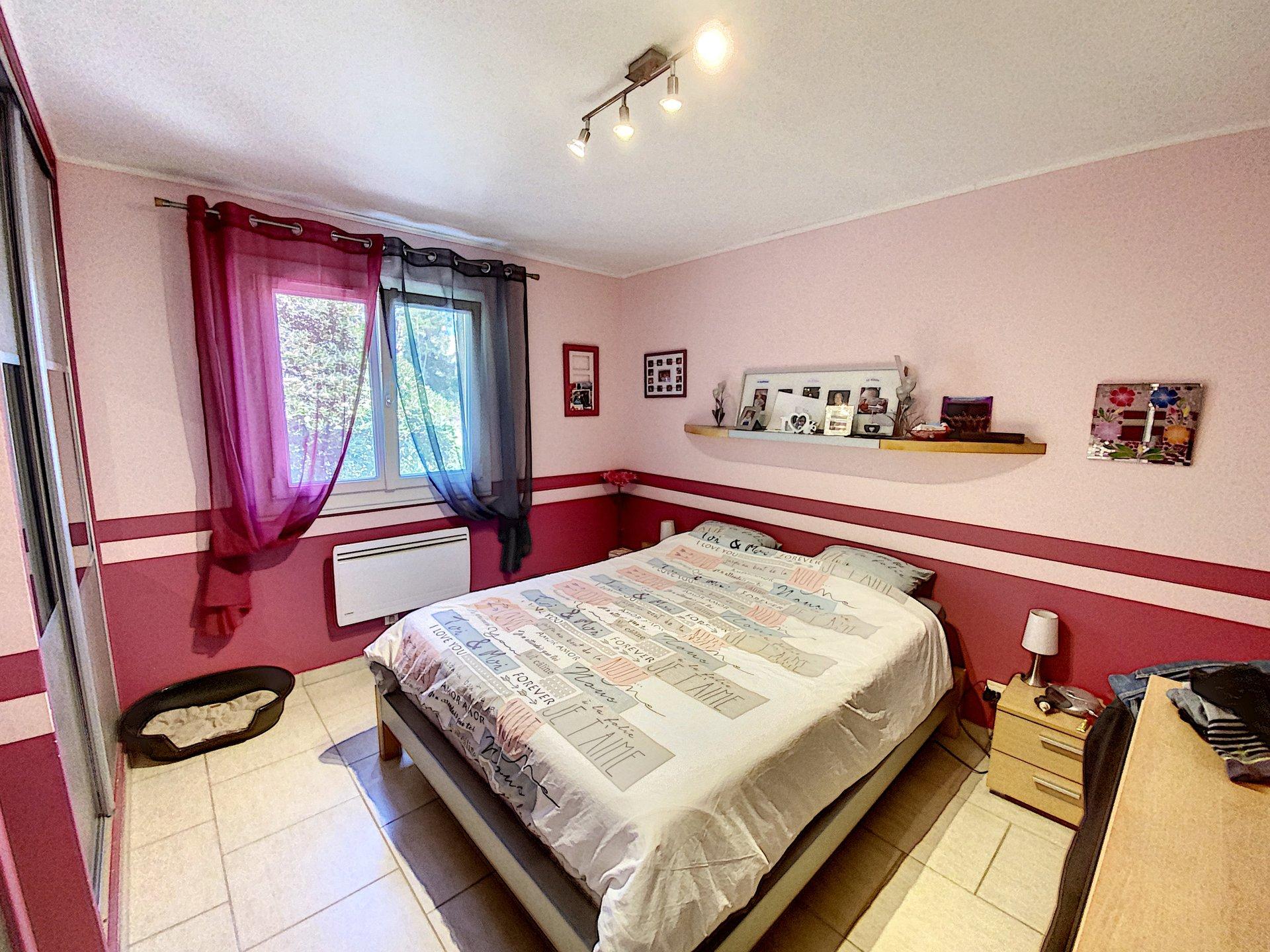 SAINT LAURENT DU VAR - Maison - 4 chambres - 6 pièces