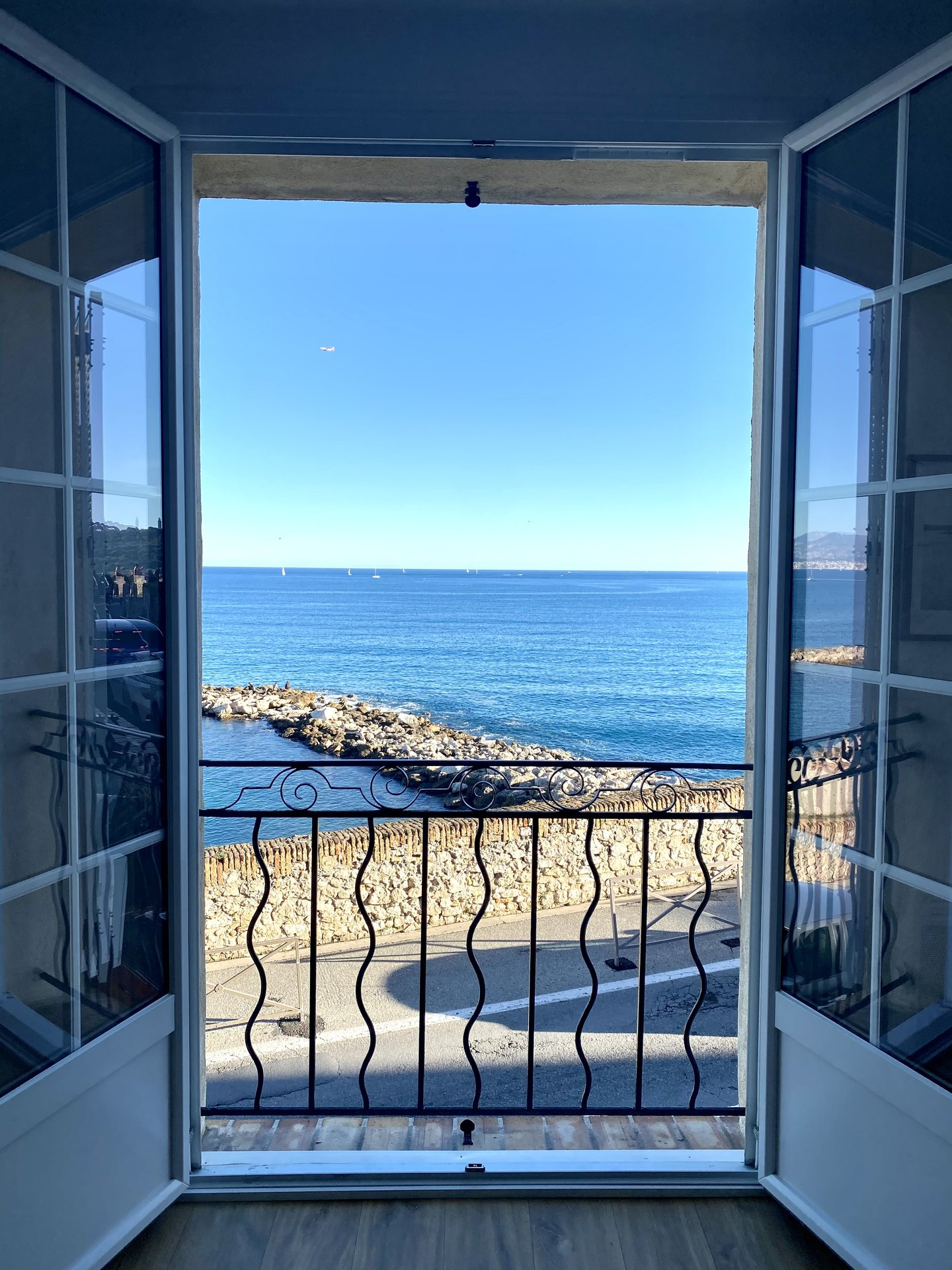 Antibes, Les Remparts - Magnificent Studio facing the sea