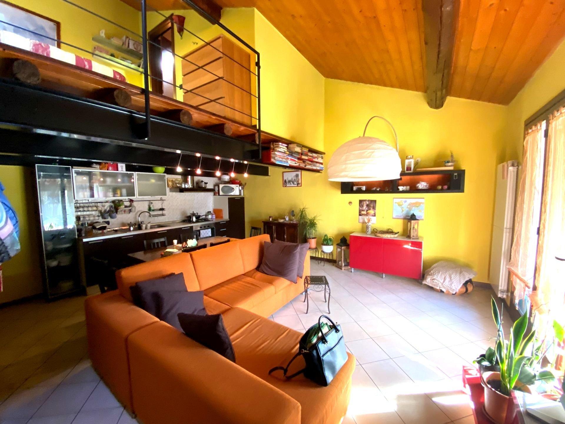 Sale Apartment - Valmorea - Italy